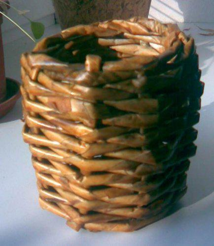 Kreativní pokusy - Muj prvni pokus o pleteni z papiru