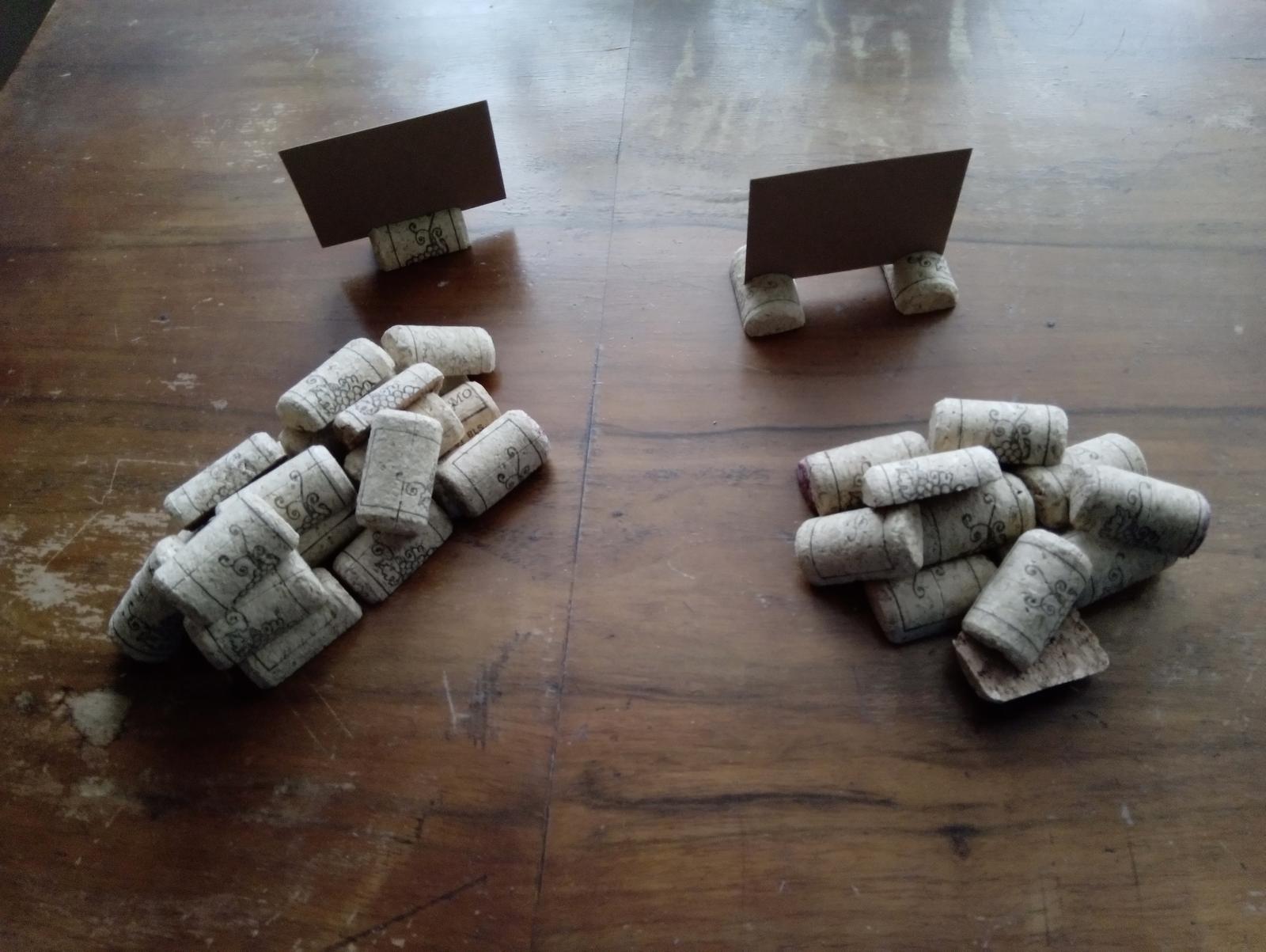 Korkové stojánky na jmenovky/cedulky - Obrázek č. 1
