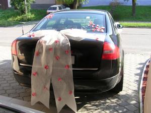 Svatební autí zezadu