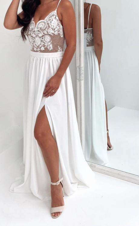 Svatební/Popůlnoční šaty - Obrázek č. 1