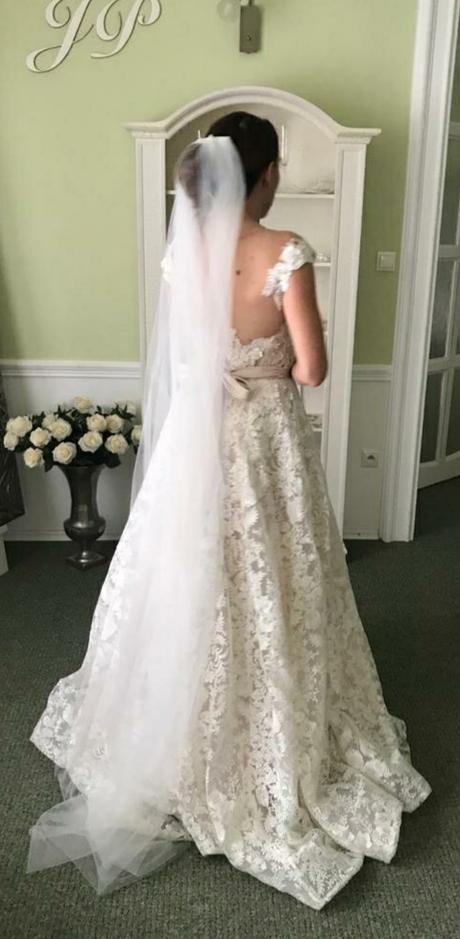 predám moje svadobné šaty Royaldi Naita - Obrázok č. 1