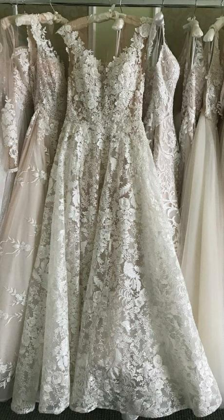 predám moje svadobné šaty Royaldi Naita - Obrázok č. 3