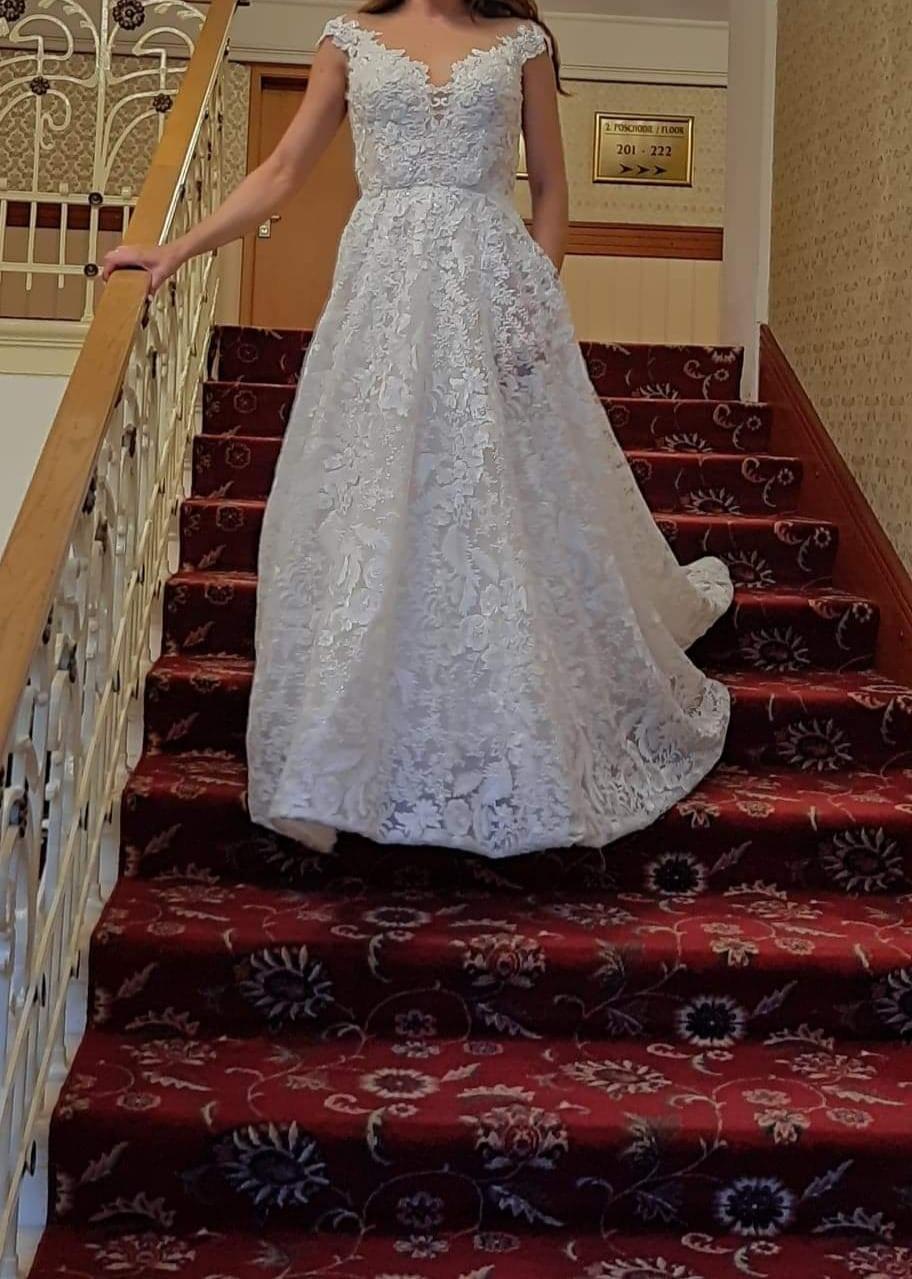 predám moje svadobné šaty Royaldi Naita - Obrázok č. 4