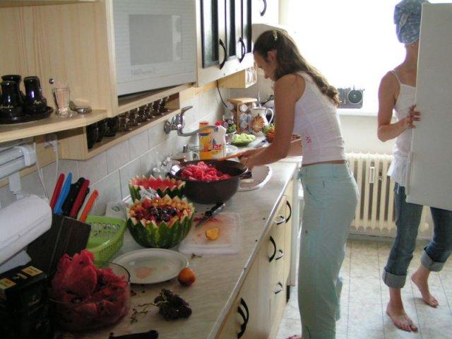 Jediné foto, na kterém se dochovaly nádherné ovocné mísy - vlastní výroby.