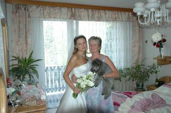 doma s mamkou, schovaná v ložnici