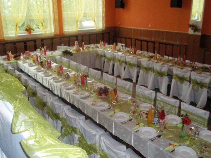 Svadba bude 6.8.2011 - naša sala len bude do oranžova :D...