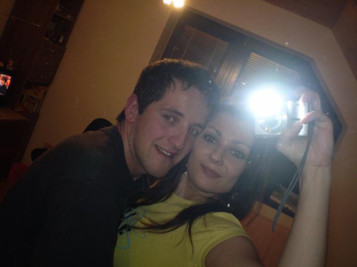 Svadba bude 6.8.2011 - ja a moja laska :D