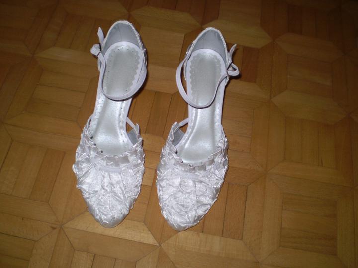 Už máme ... :D - moje svadobne topanočky :D su veeelmi pohodlne