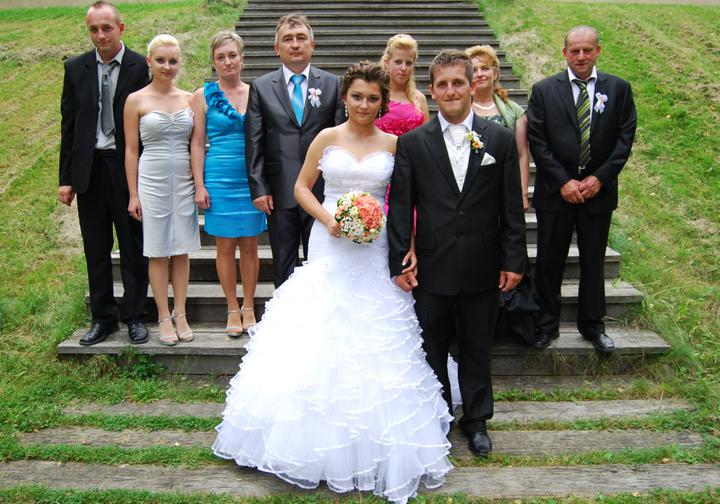 Michaela{{_AND_}}Tomáš - sestra zo snubencom, moji rodičia, mi dvaja, draheho sestra, draheho rodičia