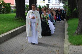a už ideme do kostola