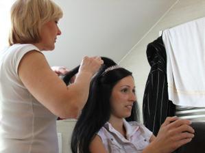 přípravy nevěsty doma