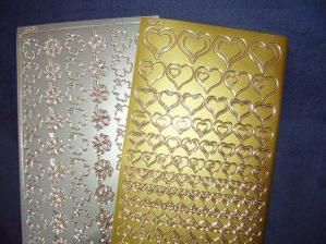 zlatá srdíčka a stříbrné čtyřlístky( nalepovací ) k dekoraci 20Kč /ks