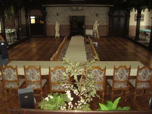 svatební salonek v restauraci - ještě nenazdobený