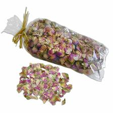 ruzova poupatka na stul=rosebuds for table decoration.