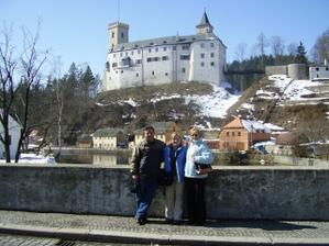 jedna moznost na obrad, tady s nasima= one possibility for the ceremony, with my parents at Castle Rozmberk