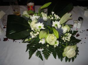 dekoraci mi pani kvetinarka udelala podle mych predstav