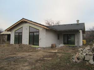 Dom sme natočili na Juh koli slnečným ziskom v zime.