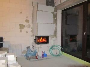 Ešte chybaju teplovzdušne rozvody do vsetkych miestnosti s Ventilatorom a filtrami