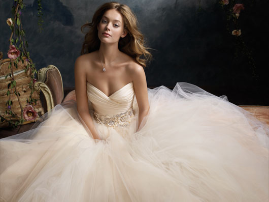 Wedding dress inspirations - And another...