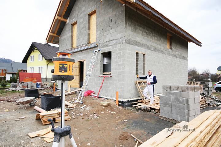 Nulový dom bez komína... Som UFO? - Urcenie roviny rohovych okien... Johnson Self-Leveling Rotary Laser Kit 40-6516 NEW