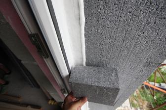 A toto je ramove EPS... Okolo okien lepim EPS ktorym zakryjem cele ramy okien co mi urobi dalsiu usporu energii...