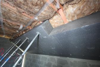 Izolacie strechy spolu 18+40+8 = 66cm  ... Inac pod takou strechou nie je len TEPLO ale aj TICHO!