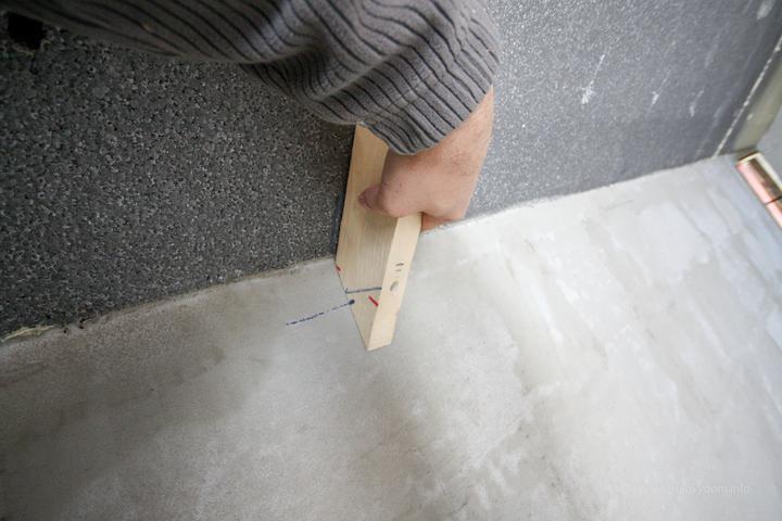 Simulacia kontrukcie z dreva... uchyt pojde do venca a hore o kliestinu..