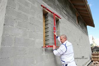 Sablona na vrtanie okien, rychla a presna praca... video : http://www.youtube.com/watch?v=jZmQeIyekak
