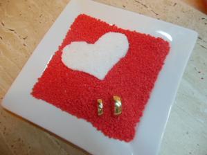tanierik pod obrucky :) sme sa narobili s mojim milacikom :))