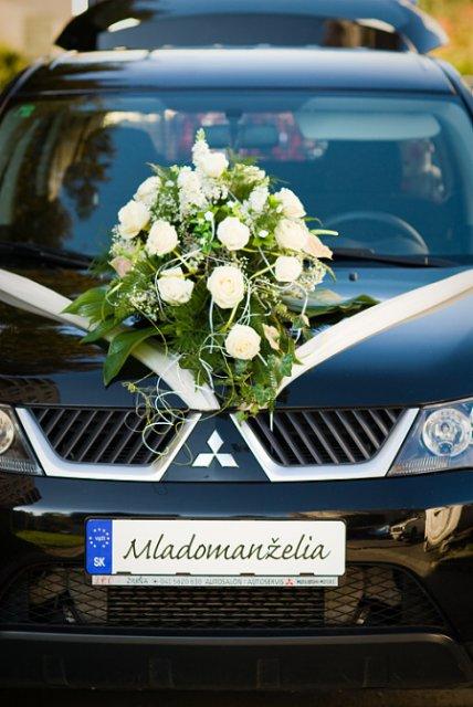 Svadobné detaily - auto - nevesta