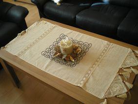 pod stôl pojde ešte koberček v prírodnej farbe
