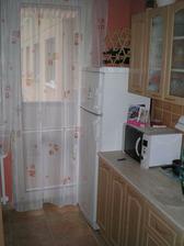 kuchyna ostala povodna,nova bude az v novom byvani, dufame, ze to bude domcek:-)