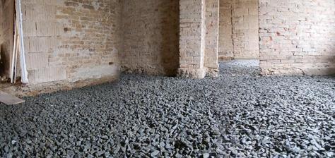 Hotovo, zítra betonujeme 2 pokoje. Hurrrrá :)