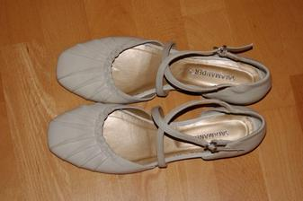 moje už koupené boty ( pohodlí má přednost ), chci je nosit celé léto ne jenom na svatbě :-)