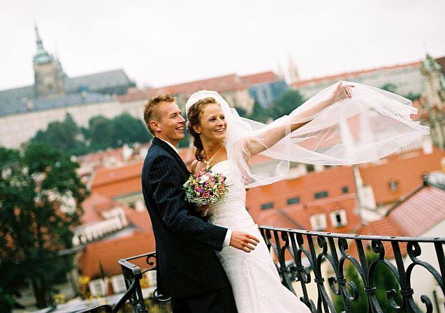 Simona Hývnarová{{_AND_}}Petr Hývnar - přenádherná Praha za námi. Vrtbovská zahrada má krásné výhledy na Prahu