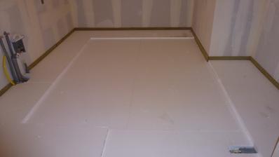 12. den, podlahy hotové, zde v kuchyni bude podlahové topení