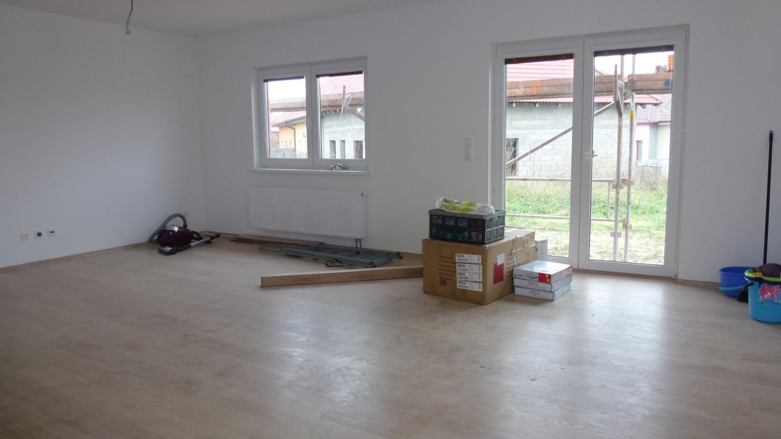 Nova 101 - stavíme - 23. den předání hotového domu (obývák)