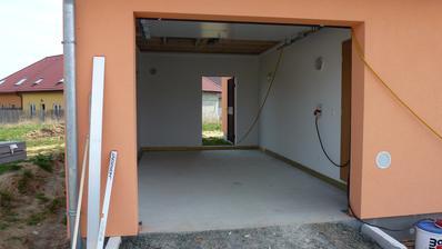 11.4.2015 - betonování podlahy garáže