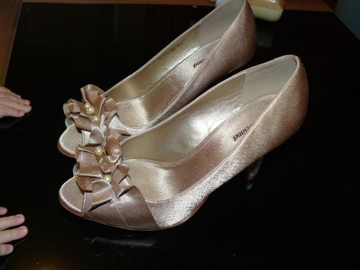 Levandulová....:) - botičky trošku dotvořené o perličky