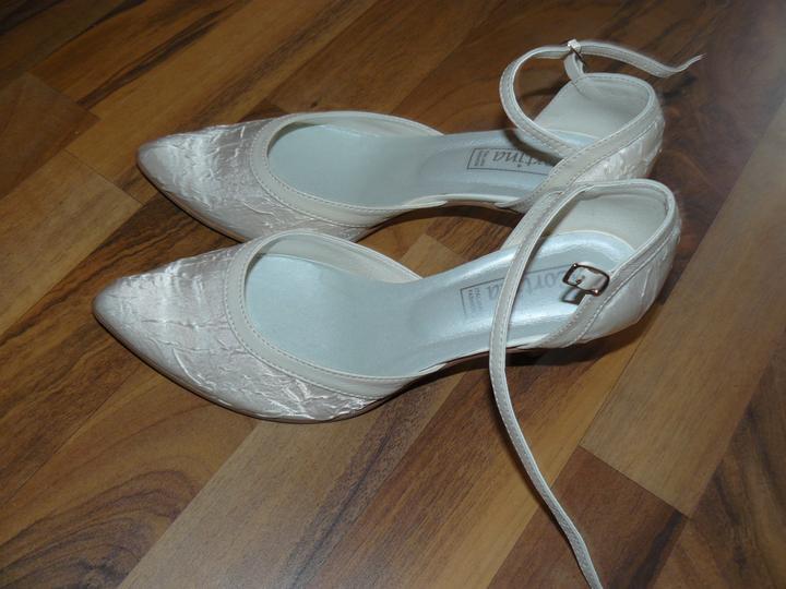 Levandulová....:) - Změna botiček, lepší barvička a nižší podpatek :)