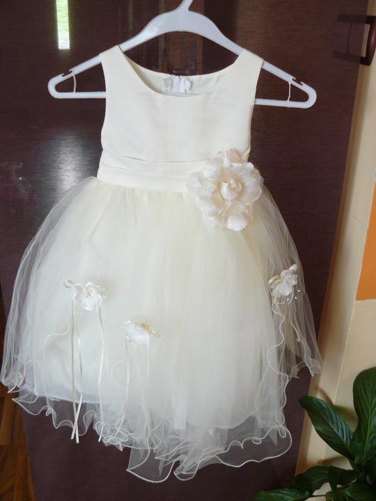 Levandulová....:) - Konečně dorazily šatičky pro naší princezničku... :) jsou nádherné a lehoučké :)