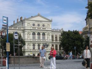 Po svatbě jsme si zajeli do města, kde jsme se seznámili - Kroměříž. Na této škole jsme oba studovali a díky tomu jsme se našli :o)