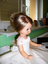 Tak tuhle panenku budu mít na autě :o) Právě jsem došila šaty, ještě to bude chtít korunku, kytici a možná i závoj a bude hotová :o)