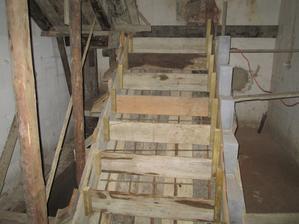 schodisko ošalovane