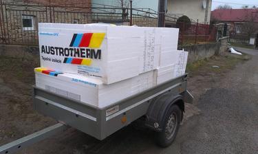 eps100-podlahovy polystyren, 3 várky, spolu 25 balíkov-5cm, 4cm a 1cm, na prízemie by to malo stacit :)