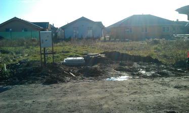 takto sme to zazimovali... elektrika, voda, kanalizacia pripravena..