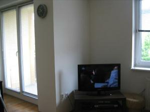 Takto to vyzera aj so stenou čo nadvezuje do kuchyne