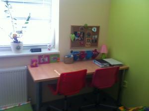 stôl pre detičky