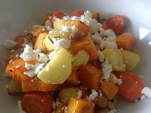 Pečená zelenina s mandlemi a fetou