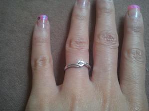 muj zasnubni prstynek :)